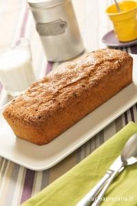 Plum cake integrale per merenda e colezione