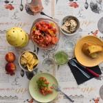 Bruschetta pomodori, peperoni, acciughe e basilico