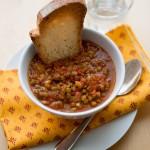 Zuppa di lenticchie, pomodoro e curcuma
